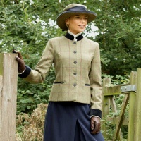 Launton Deluxe Tweed Leaders Jacket and Hat Set from Equetech